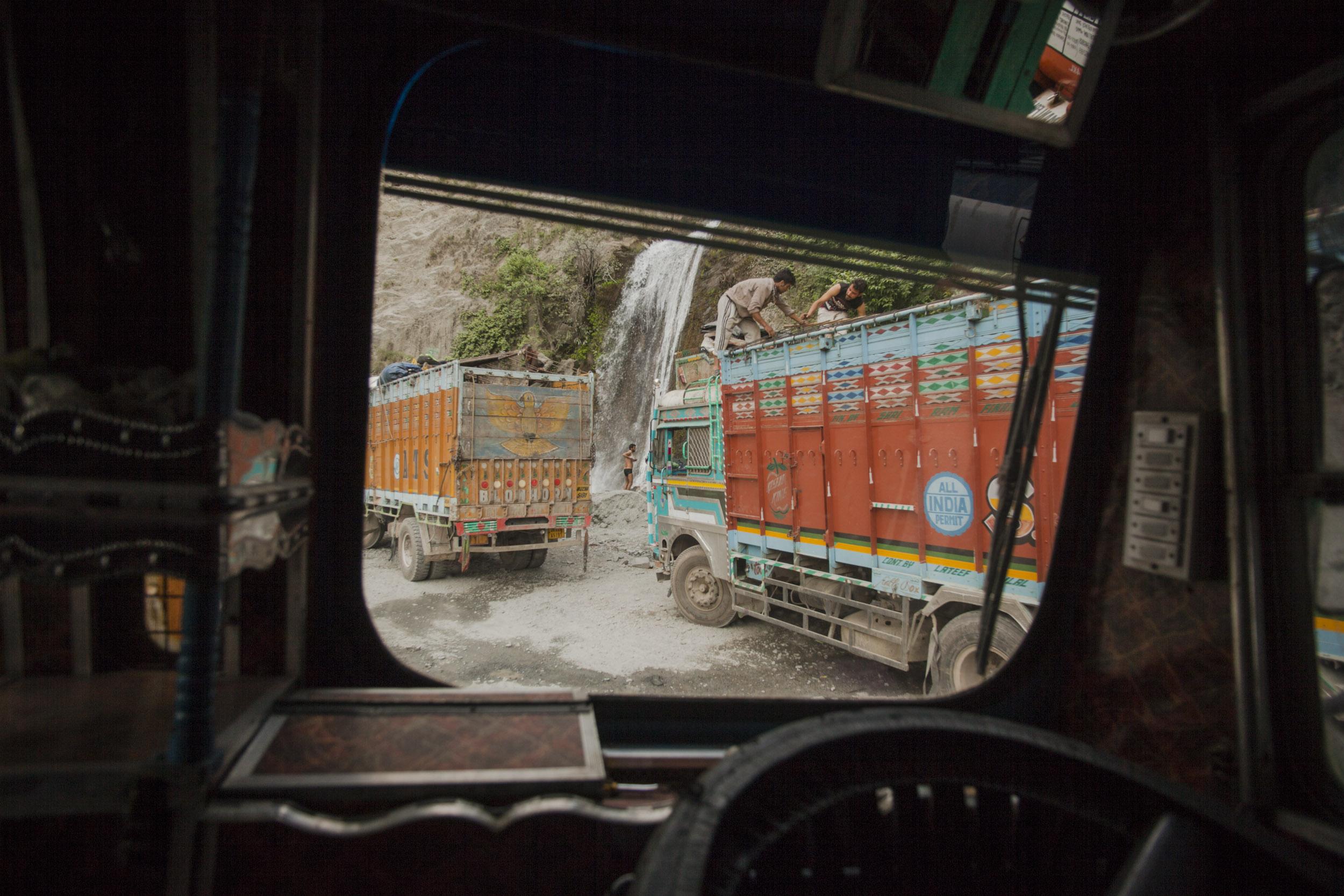 Truck Kashmir Waterfall Bath